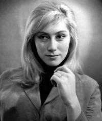 Актриса Ирина Мирошниченко