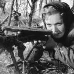 Она защищает Родину, 1943 год
